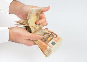 900 Euro leihen